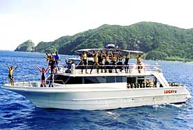 マリンハウスシーサーのダイビング専用ボート「ラッキー号」